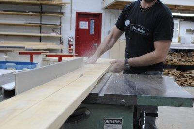 Vente de planches de bois brut